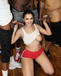 Valentina Nappi's Second Appearance Free Black Cock